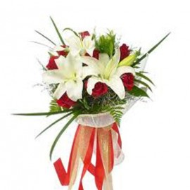 White lilies and Rose